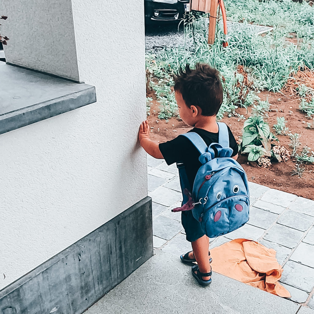 Eerste schooldag: Casper heeft zijn boekentas al. Is hij er klaar voor?